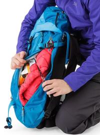 Khamski-31-Backpack-Ionian-Blue-Key-Clip (1)