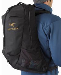 Arro-22-Backpack-Black-Side-Pocket